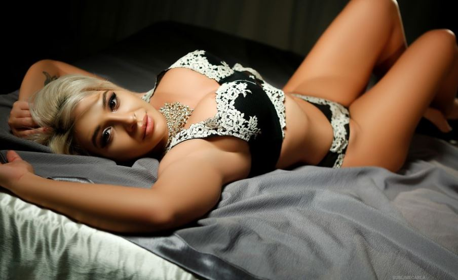 https://www.glamourcams.live/chat/SublimeCarla