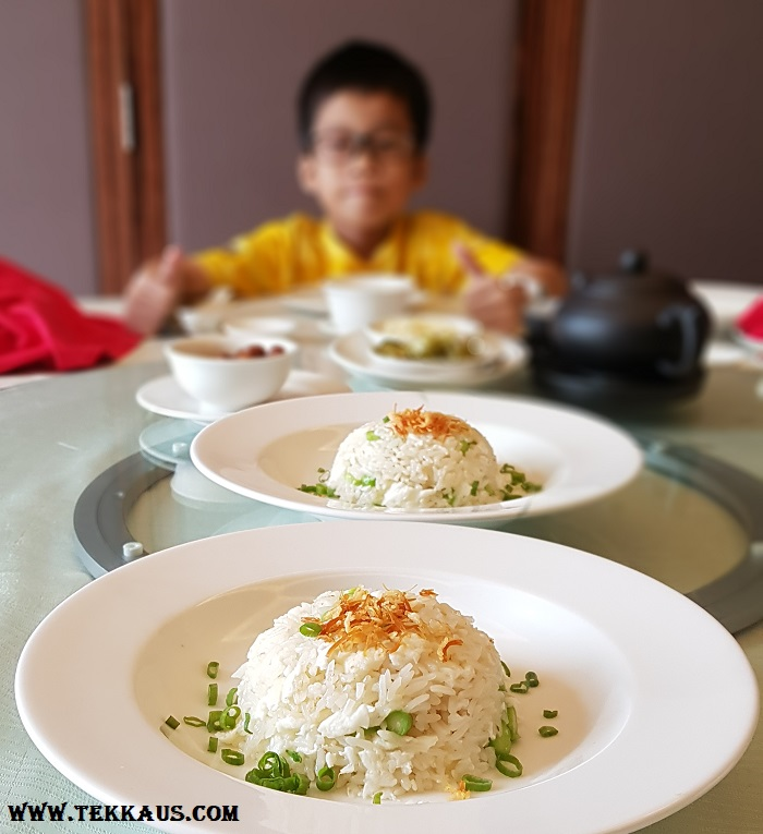 Fried rice with egg white and crispy scallops Yue PJ Sheraton