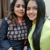 megha ray with her mother
