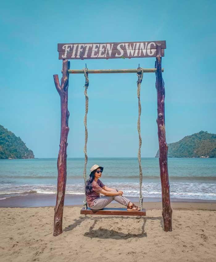 Fasilitas Wisata Pantai Sipelot Malang
