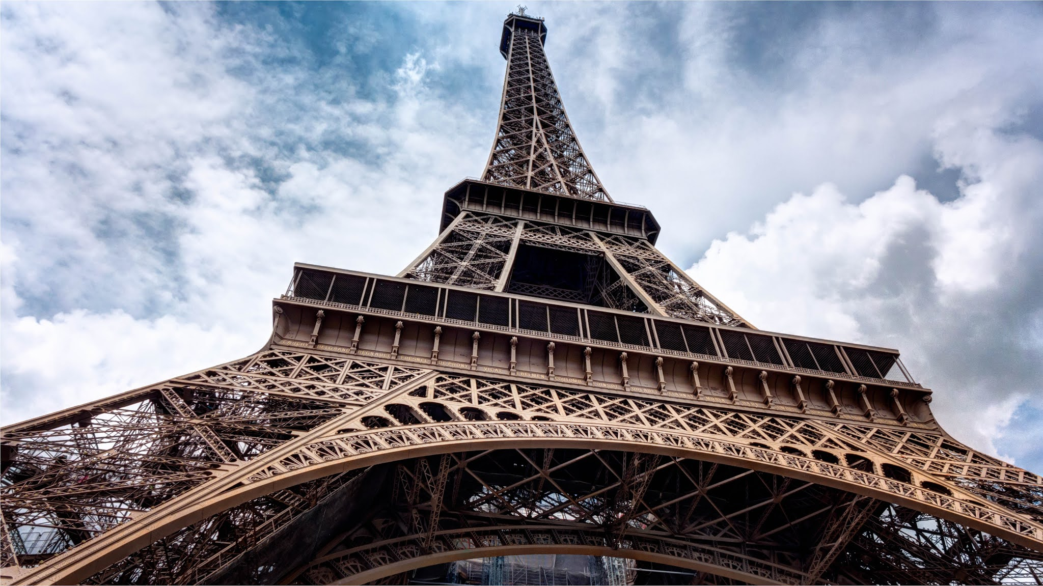 Top 5 Interesting Facts You Should Know About The Eiffel Tower