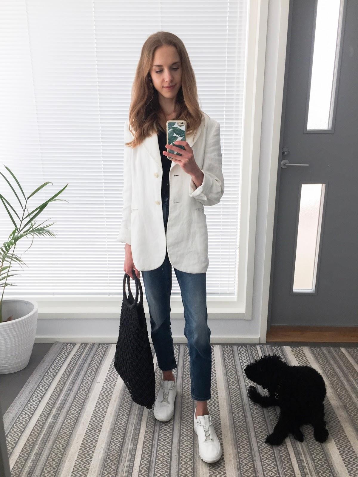 fashion-blogger-real-outfit-mom-jeans-linen-blazer-muotibloggaaja-arkiasu-farkut-pellavableiseri