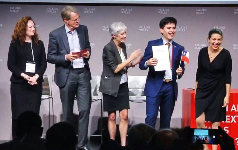 Descubridor de bacteria come neumáticos gana premio en Alemania