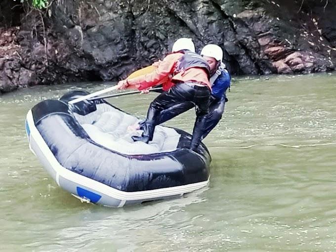 Relawan Penanggulangan Bencana  Kabupaten Cianjur Rayakan Hari Relawan Sedunia Dengan Berlatih Water Rescue,