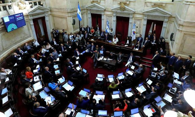 Congreso argentino congela sueldos de legisladores por seis meses por emergencia económica
