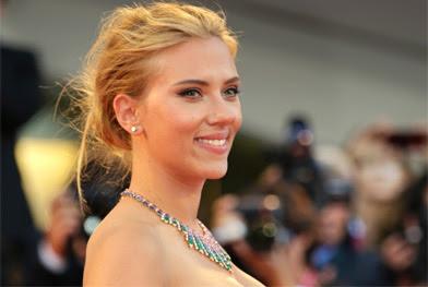 Scarlett Johansson não é feliz em Paris