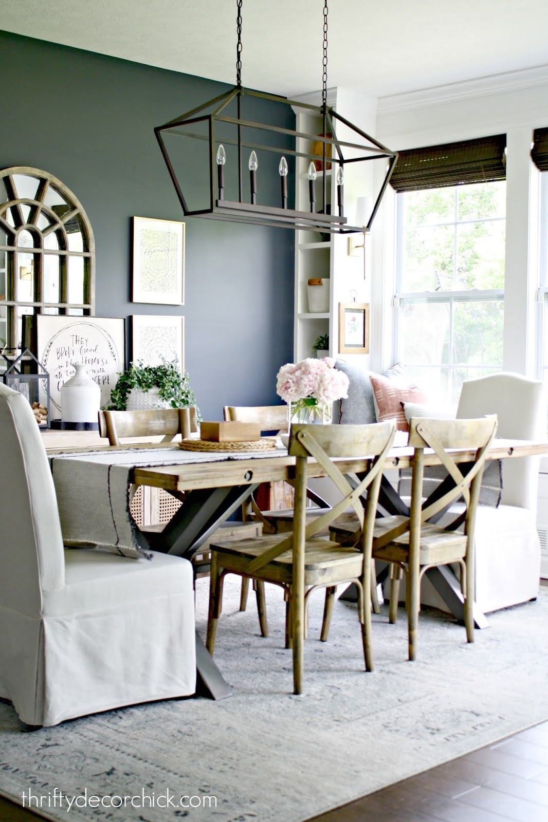 Navy blue walls dining room