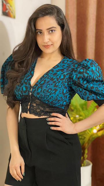 Telugu Anchor Manjusha Latest Hot Photos on Friendship Day Actress Trend