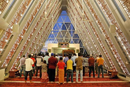 desain masjid modern ridwan kamil