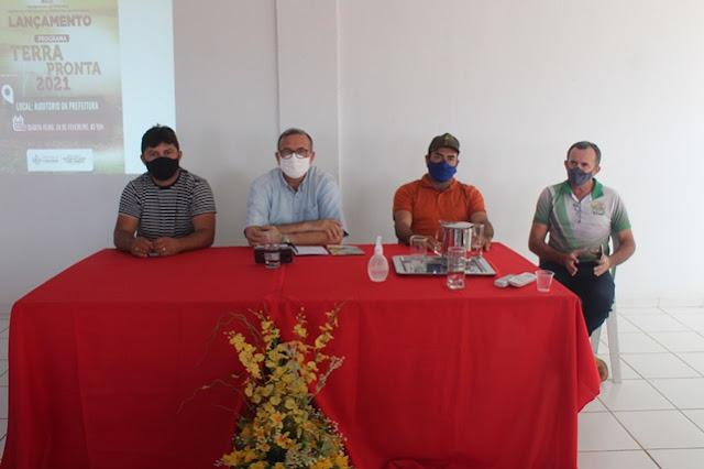 Em transmissão pela internet Prefeitura de Caraúbas lança programa Terra Pronta 2021
