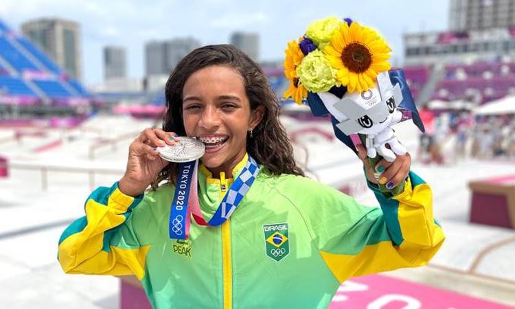 Rayssa Leal se torna a medalhista mais nova do Brasil na história