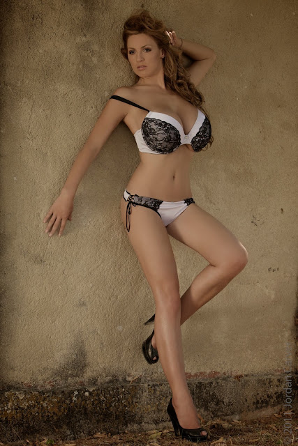sexiest-Jordan-Carver-Fairy-Tale-hot-photo-shoot-picture-14