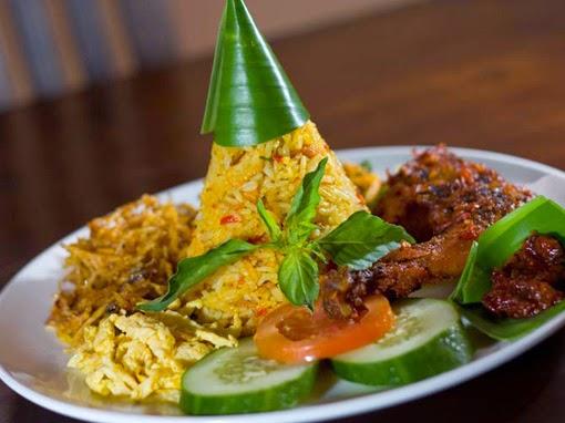 Cara Membuat Nasi Kuning Ricecooker
