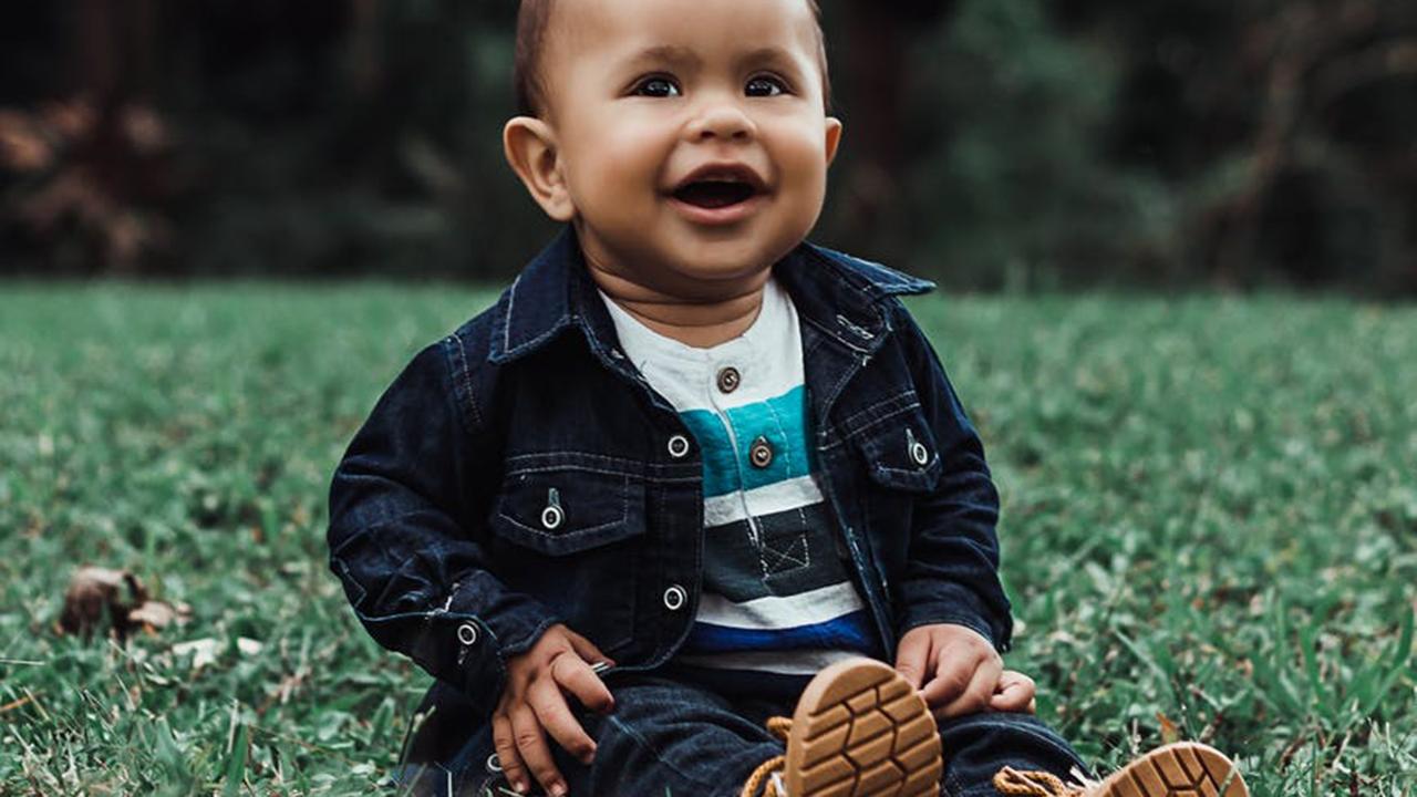 Cara Melatih Bayi Supaya Cepat Duduk