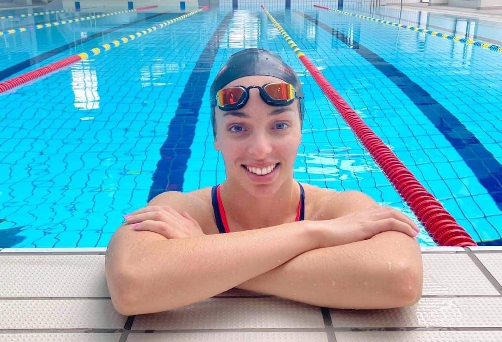 آمال مليح تحطم الرقم القياسي الجزائري لسباق 50 متر سباحة حرة