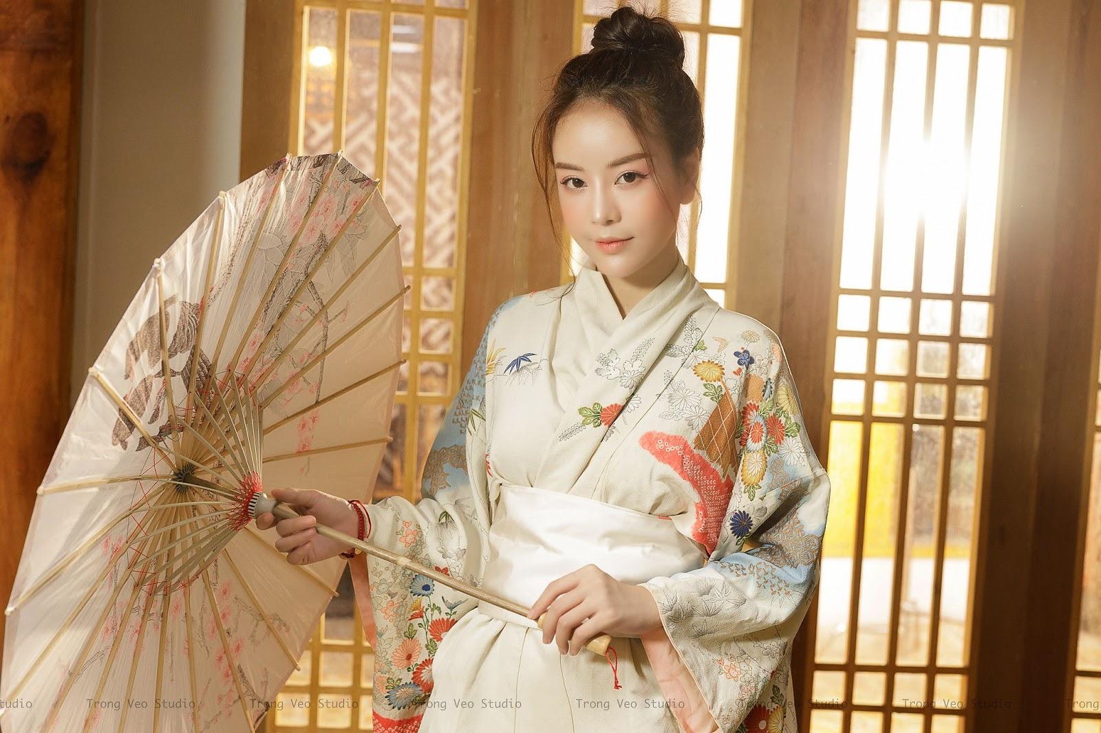 Bộ ảnh Kiều Trang xinh đẹp như trăng như hoa trong bộ trang phục Kitomo