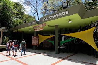 Horarios y precios del parque Los Chorros Caracas (Actualizados). Tarifas, precios y horarios del parque Los Chorros de Caracas actualizados.. Entrada al parque Los Chorros.