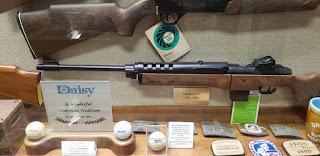 A  photo of a Daisy BB gun.