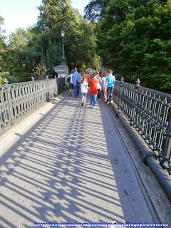 Puente de acceso a Regent's Park desde el canal de Regent's