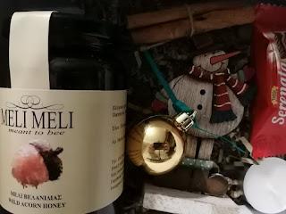 Δωροκουτάκι Melimeli 2020 με μέλι Βελανιδιάς- Το εσωτερικό του