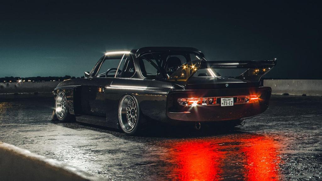 Chiếc BMW độ độc đáo theo phong cách Batmobile