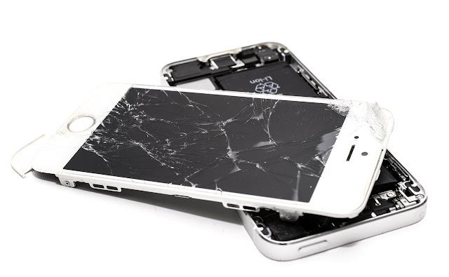 imagem de celular quebrado