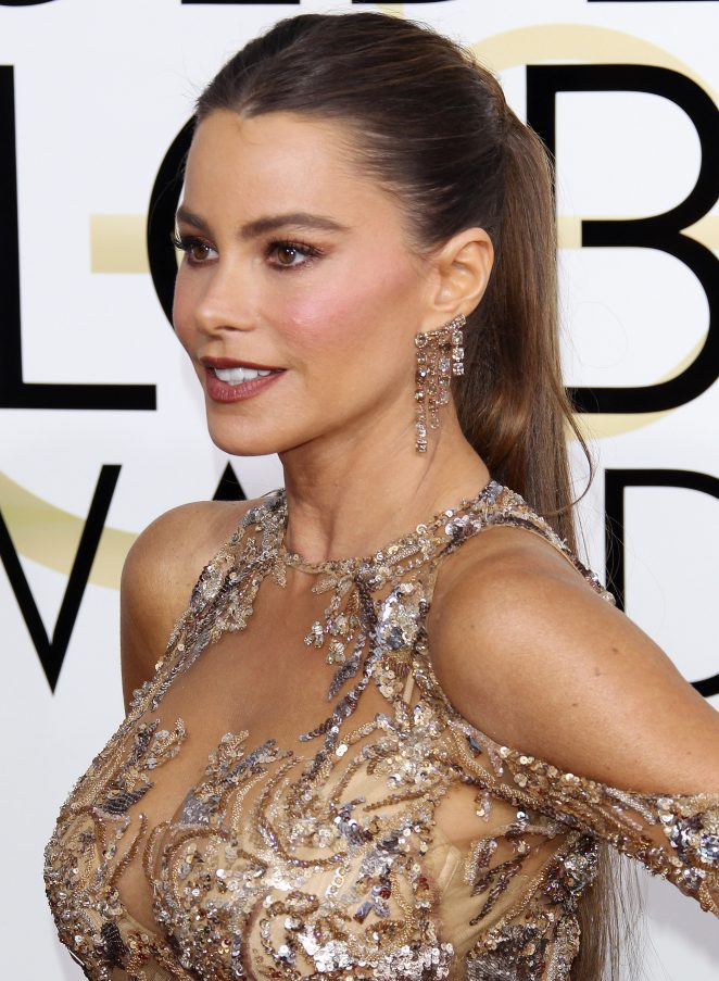 Sofia Vergara – 74th Annual Golden Globe Awards in Beverly Hills