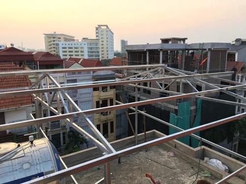 Thi công nhà xưởng mái tôn chủ yếu sử dụng loại tôn nào