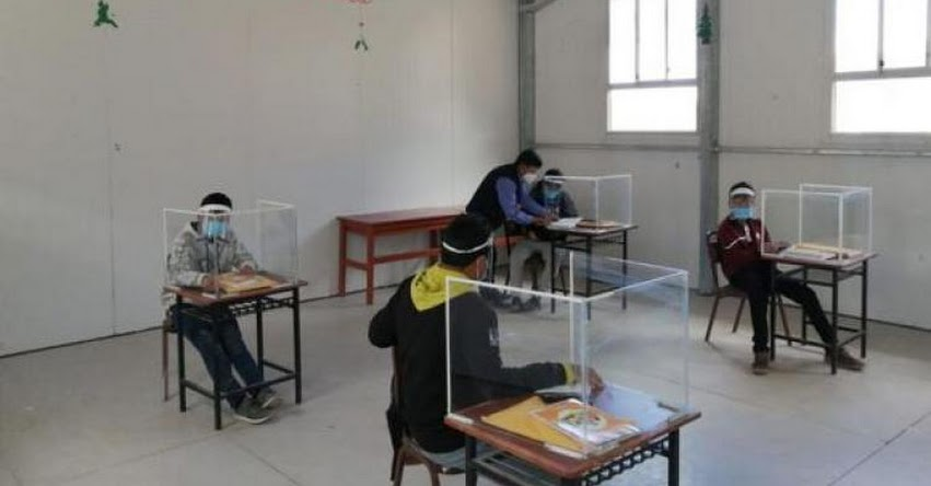 Suspenden clases presenciales en 2 colegios de Arequipa por contagio de profesoras al coronavirus
