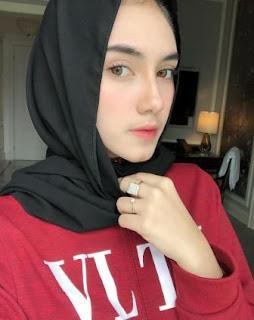 Foto Syahra Larez Pakai Jilbab Hijab Kerudung