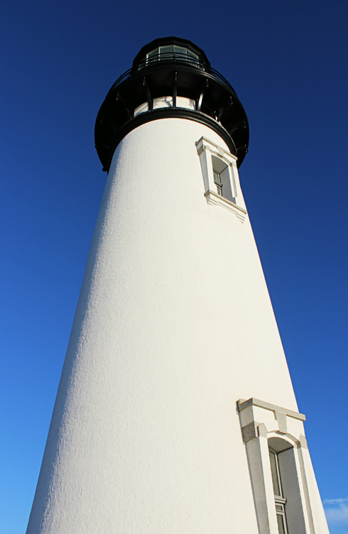 yaquina head lighthouse newport oregon coast