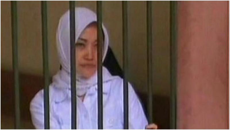 Nurmayani Salam, guru yang ditahan karena mencubit siswinya