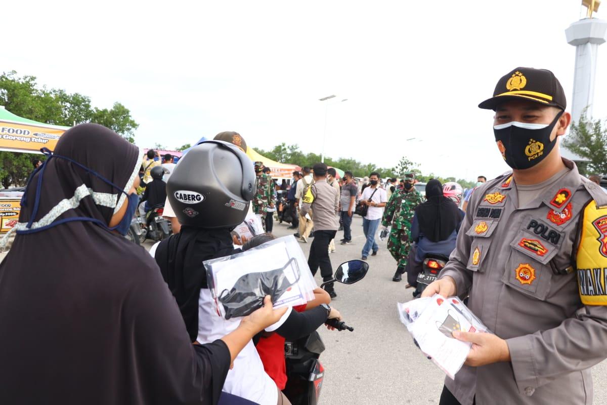 Wakapolres Karimun Hadiri Kegiatan Pemberian Bantuan Seratus Ribu Masker dan Rakor Kesiapan Pilkada  Di Kabupaten Karimun