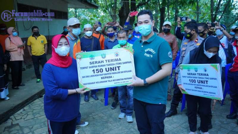 Bupati Pangkep Luncurkan Program Berlian Antar Desa - Lurah