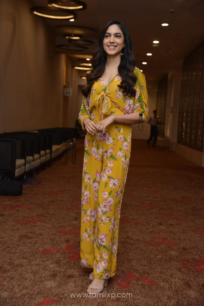 Telugu Actress Ritu Varma