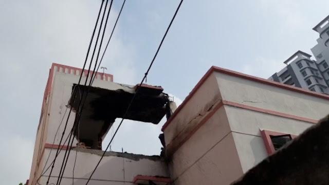 সকালের শুরুতেই কলকাতায় তীব্র বিস্ফোরণ, কেঁপে উঠল বেলেঘাটা চত্বর