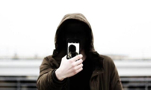 Forbes: Τα κινητά – κατάσκοποι στην υπηρεσία των κρατών για την παρακολούθηση πολιτών