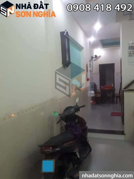 Phòng khách để xe máy