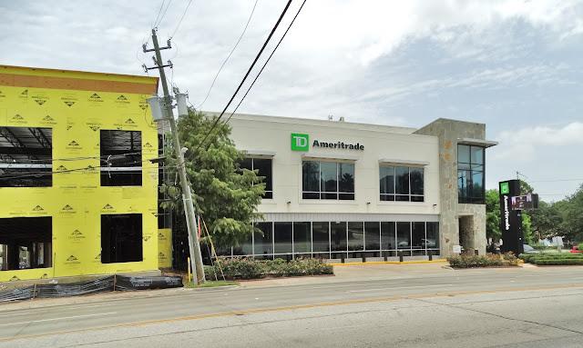 TD Ameritrade in remodeled former BoConcept space