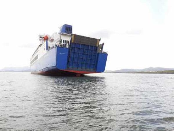 Olbia, Eurocargo Valencia si incaglia all'ingresso del porto