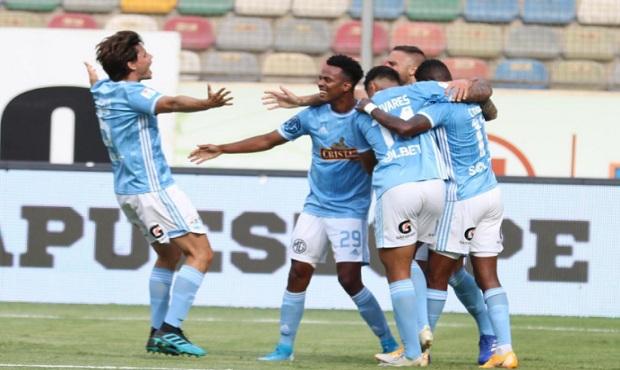 Cristal dio un gran paso hacía la final de la Liga 1 al derrota 2-1 a Ayacucho FC