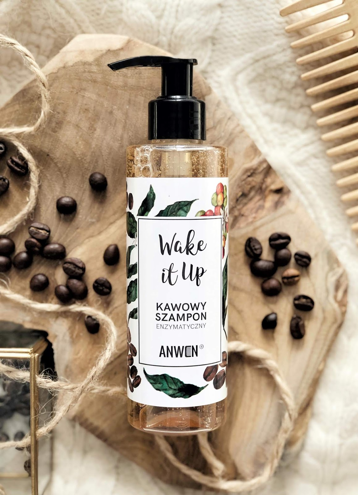 Wake-It-Up-enzymatyczny-szampon-kawowy-Anwen-opinia