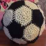 http://geekysagittarius.com/soccer-ball-amigurumi-pattern-free/