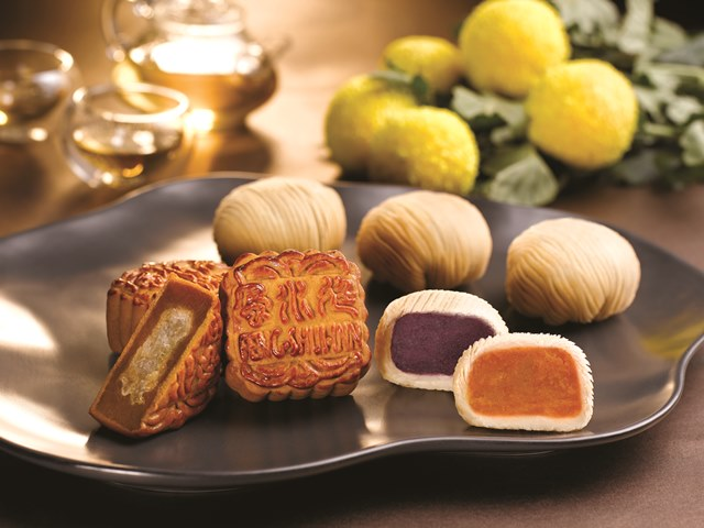 rws birds nest flaky crust sweet potato mooncakes