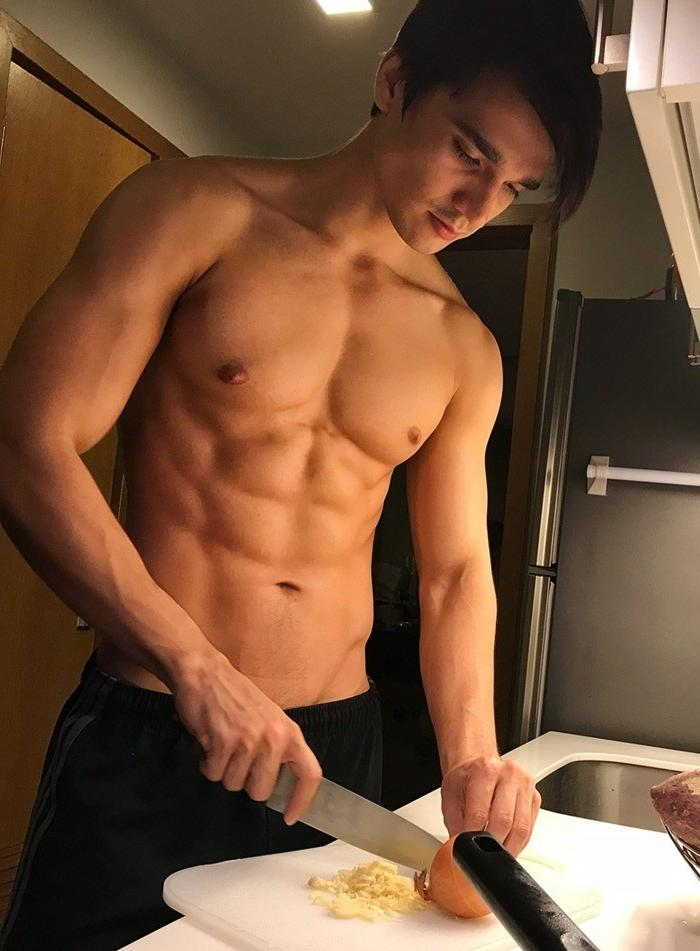 young-fit-shirtless-hunk-kitchen-cooking-onions-garlic-food-pictures