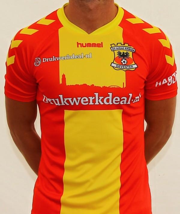 Hummel divulga novas camisas do Go Ahead Eagles - Testando Novo Site b2943a5d8bfeb