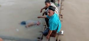 Geger,  Warga Temukan Jasad Pria Terapung di Pelabuhan Lasdap Tembilahan