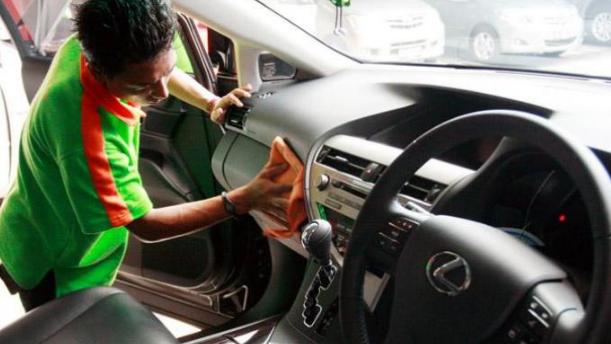 Jangan Sembarangan Perhatikan Cara Mencuci Mobil Yang Benar