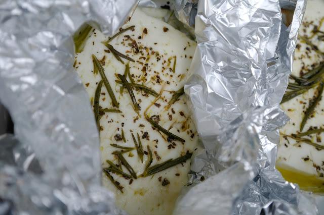 ugnsbakad fetaost med grönsaker