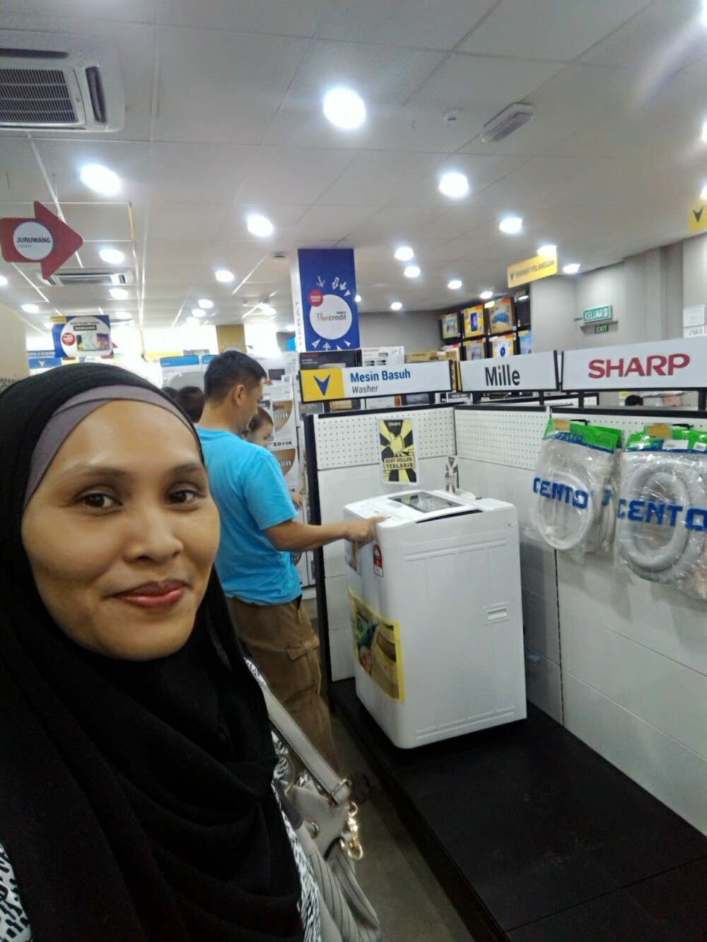 Beli washing machine Panasonic murah di COURTS